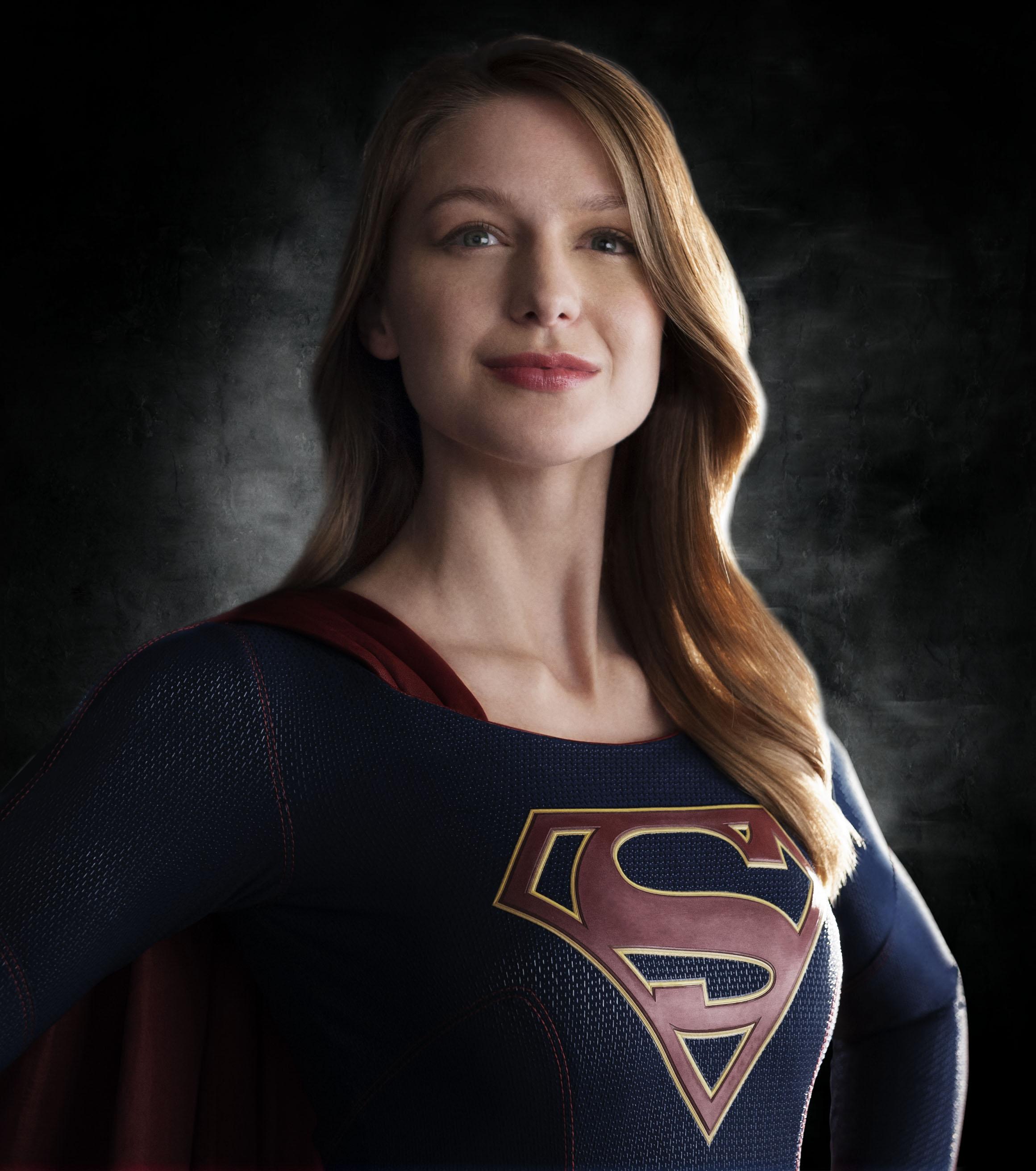 Supergirl : le costume dévoilé